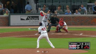 Harper-hammers-a-grand-slam-to-center-field-attachment