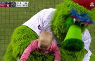 Phanatic-tries-to-comfort-crying-baby-attachment