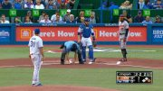 Umpire-helps-Jones-pick-up-his-necklace-attachment