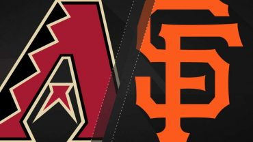 41017-Moores-strong-game-leads-Giants-to-4-1-win-attachment