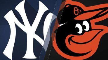 4717-Smiths-clutch-homer-lifts-Os-past-Yankees-attachment