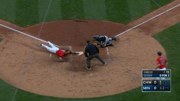 CWS@MIN-Dozier-speeds-around-the-bases-for-a-homer-attachment