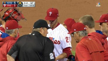 NYM@PHI-Buchholz-leaves-the-game-with-an-injury-attachment